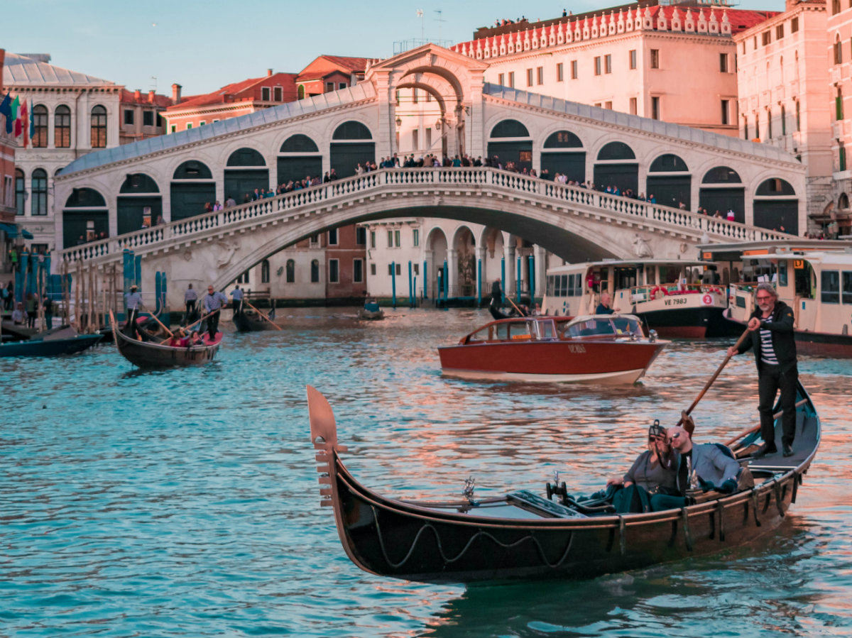 How to organize a perfect Valentine's day in Venice